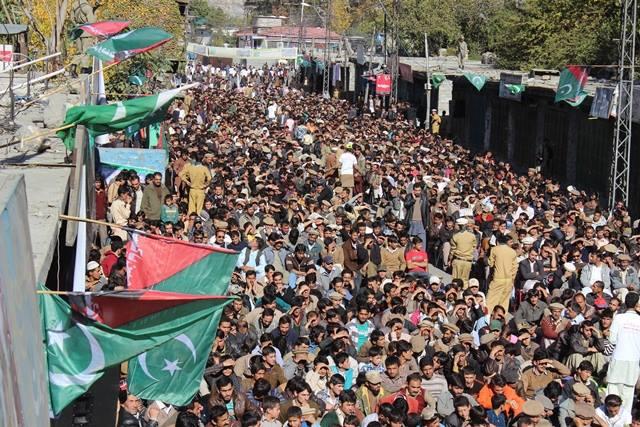 گلگت: مجلس وحدت مسلمین کے زیر اہتمام دفاع وطن کنونشن کا انعقاد، ہزاروں افراد شریک ہوے