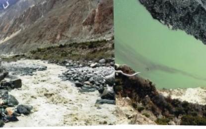 وادی بگروٹ میں جھیل پھٹ پڑا، سیلابی ریلے میں پل بہہ گیا، رابطہ منقطع