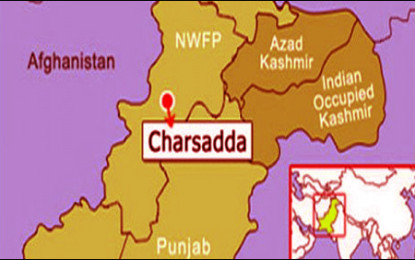پشاور سے چترال جانے والی مسافر گاڑی کو چارسدہ بائی پاس کے نزدیک لوٹ لیا گیا