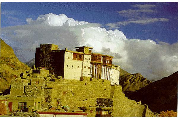 بیس سال کے دوران قلعہ بلتت کو ساڑھے تین لاکھ افراد دیکھ چکے ہیں، مینیجرشیر باز کلیم