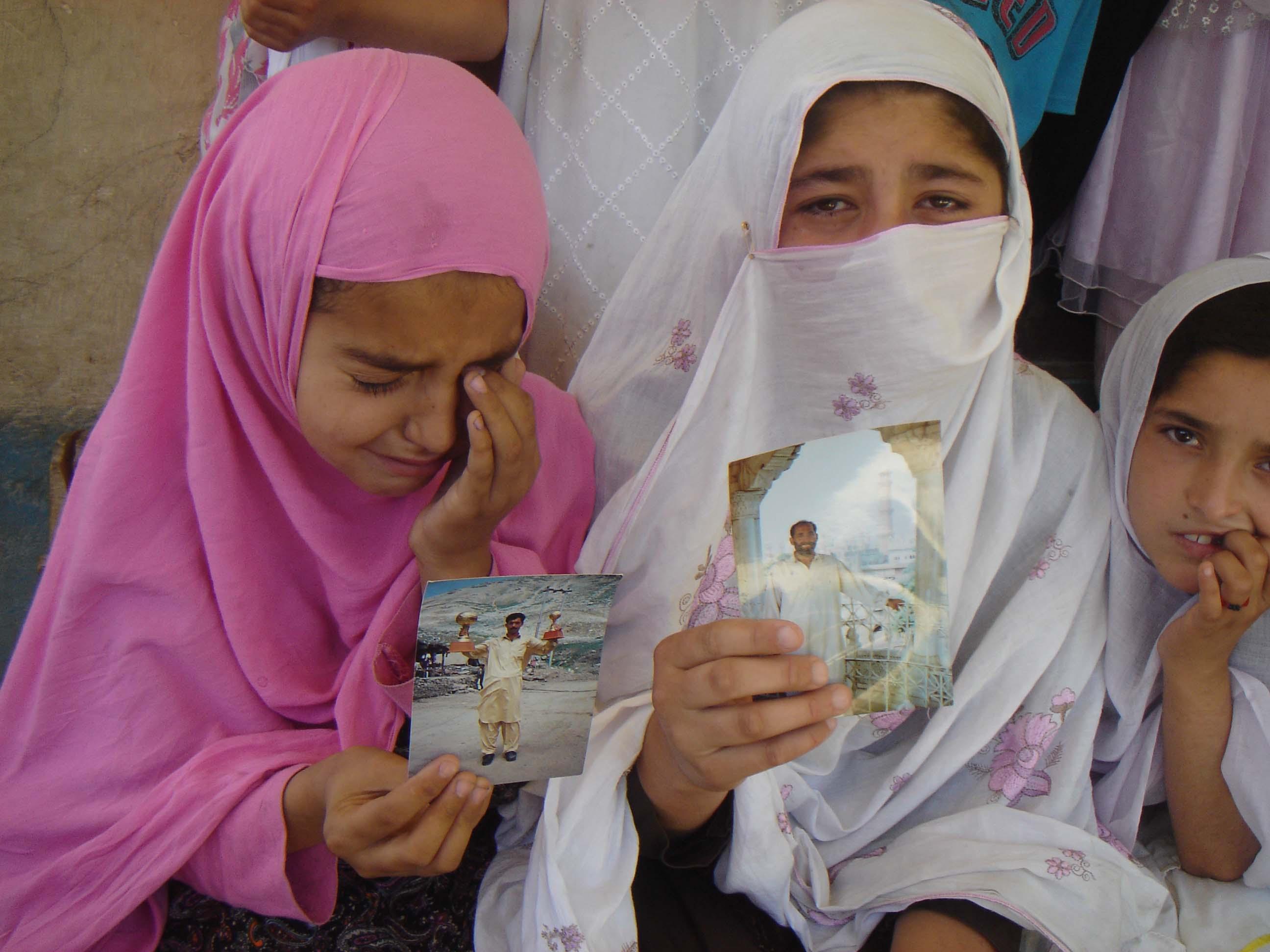 چترال کے علاقے دروش میں زمین کی خاطر اجرتی قاتلوں نے تین افراد قتل کردئیے