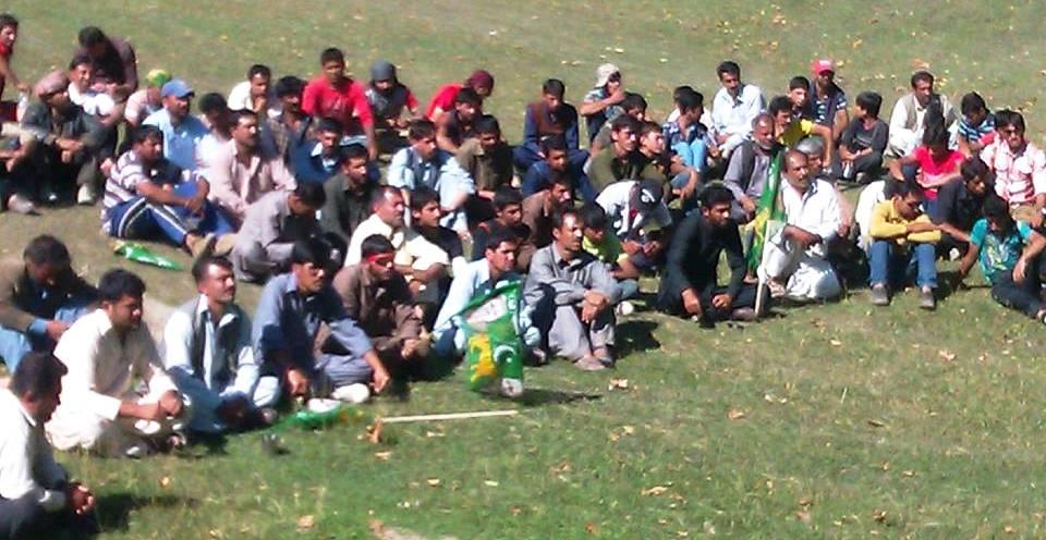 ہنزہ, ناصرآباد میں معدنیات پر ضلعی انتظامیہ کی جانب سے لگائے گئے دفعہ144کو فوری طور پر ختم کرونگا: میر غضنفر علی خان- ریلی میں رو عمران رو کے نعرے