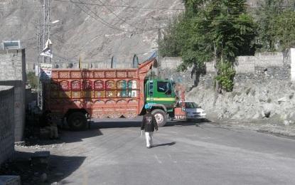 صدر ممنون حسین کا دورہ گلگت ، سڑکیں بند، عوام پریشان