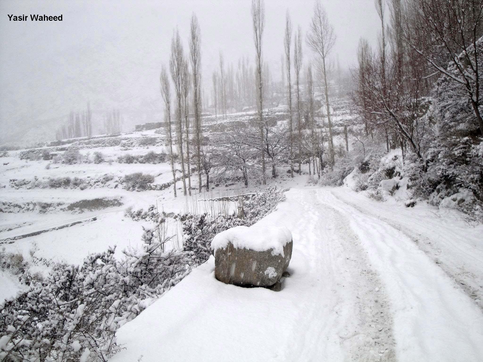 برفباری کا موسم آگیا، لیکن گلگت بلتستان کے دوردراز علاقوں میں گندم ذخیرہ نہیں کیا جاسکا