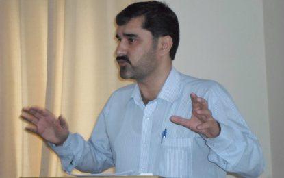 اسرار الدین اسرار کے خلاف مقدمہ درج کرنے کی مذمت، گلگت یونین آف جرنلسٹس کے زیر اہتمام احتجاجی مظاہرہ
