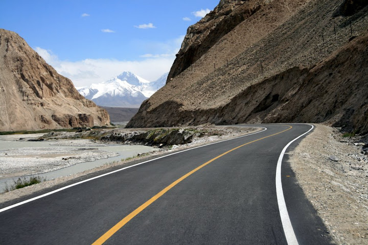 خنجراب، پاک چین سرحد ٹریفک کے لئےکھول دی گئی