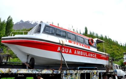 سردی کا تحفہ؟ ڈپٹی کمشنر ہنزہ نگر نے ایمبولنس کشتی سروس بند کر دی، آپریٹرز گرفتاری کے بعد ضمانت پر رہا