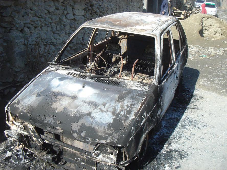 چترال: مضافاتی علاقے سینگور میں نامعلوم افراد نے کار پر تیل ڈال کر آگ لگا دی