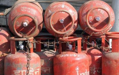 گلگت : ایل پی جی سلنڈر کی قیمت میں کمی