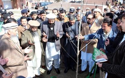گلگت میں شجرکاری مہم کا آغاز، امسال شجر کاری شہداپشاور کے نام سے منسوب کیا گیا ہے