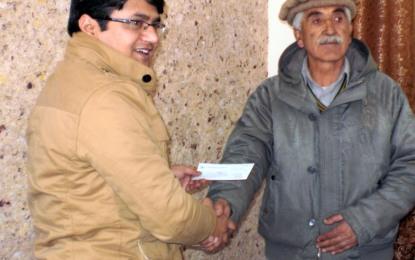 ناصر آباد کے متاثرین KKHمیں معاوضے کے چیک تقسیم, پہلے مرحلے میں کل رقم کا ساٹھ فیصد ادا کیا گیا