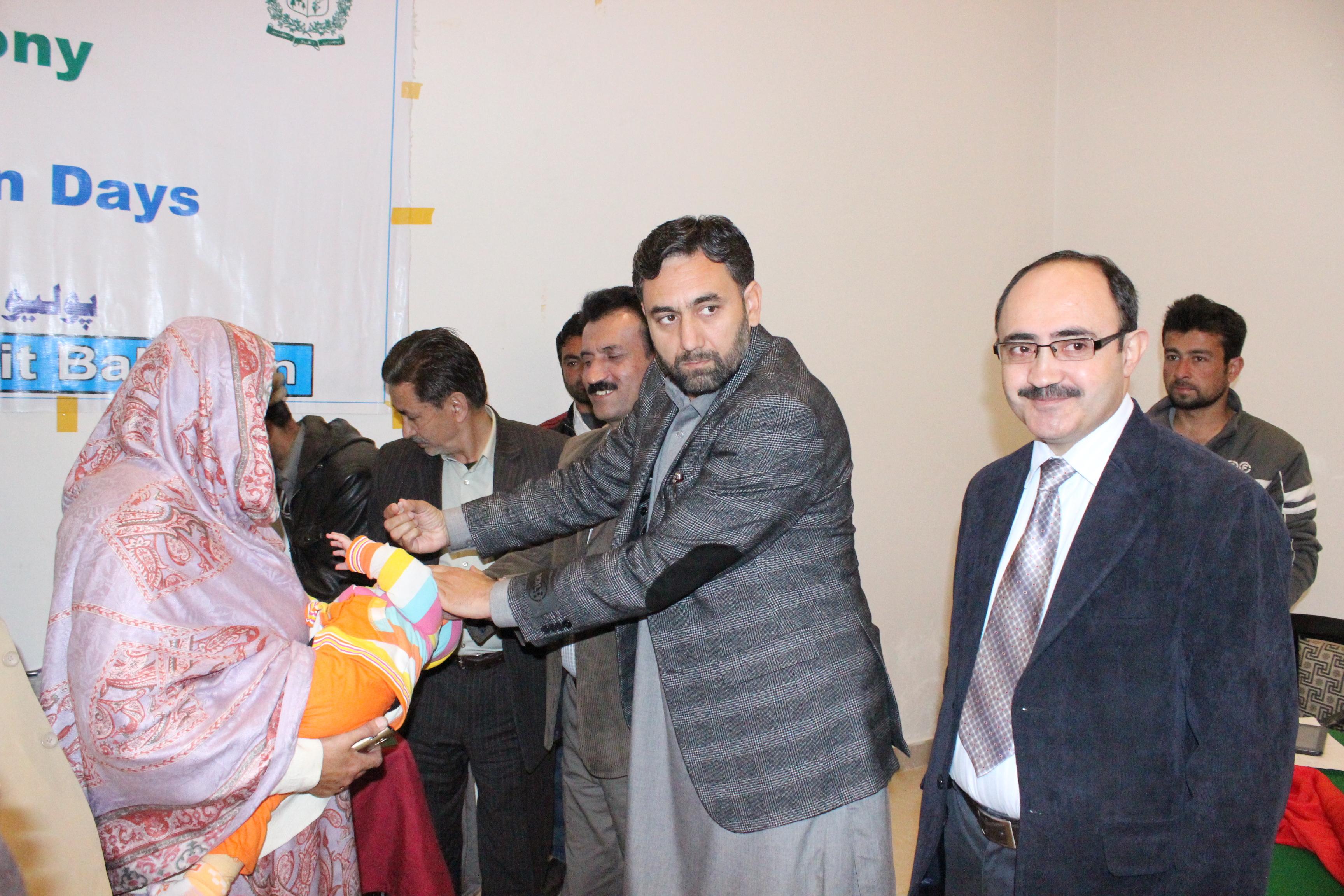 انسداد پولیو مہم، گلگت بلتستان میں ٢ لاکھ ١٥ ہزار بچوں کو قطرے پلائے جائیں گے
