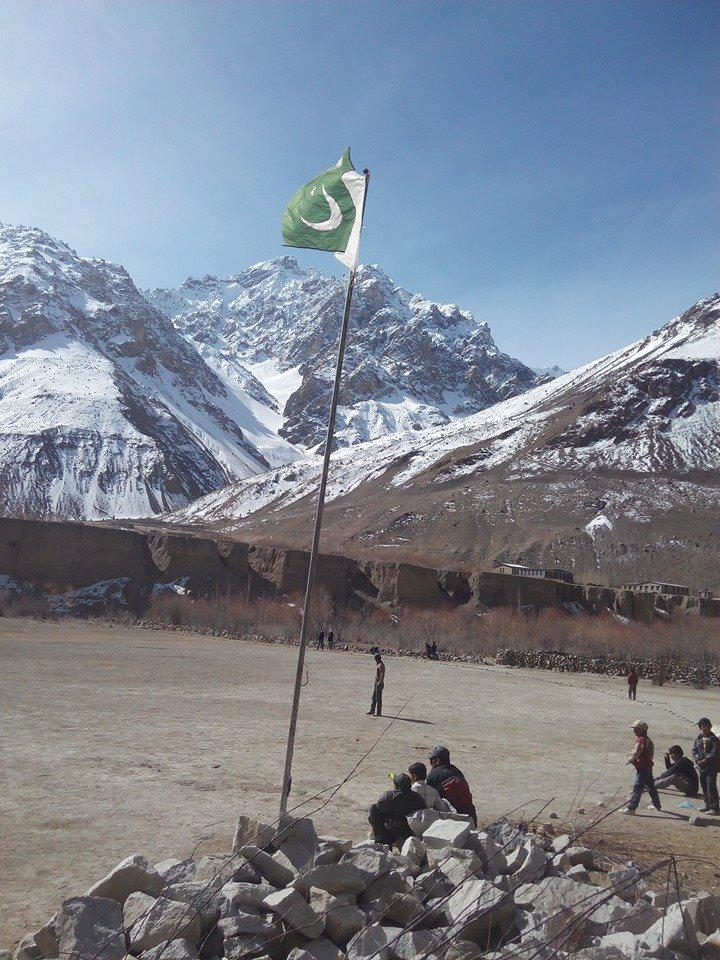 گوجال ہنزہ، پاک افغان سرحد پر واقع وادی چپورسن میں یوم پاکستان کی تقریب