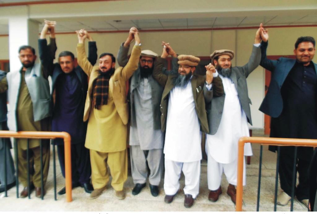 دلوں کو جوڑنے کا مشن لیے نگران وزراء چلاس پہنچ گئے، پرتپاک استقبال
