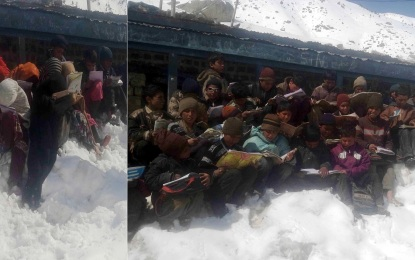 ضلع استور کے دور افتادہ گاؤں میں سکول منہدم، طلبہ برف پر بیٹھ کر تعلیم حاصل کرنے پر مجبور