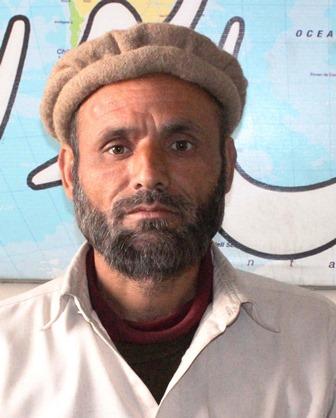 جگلوٹ کا رہائشی مبینہ طور پر پولیس تشدد کا شکار شخص دکھ بھری داستان لئے میڈیا تک پہنچ گیا