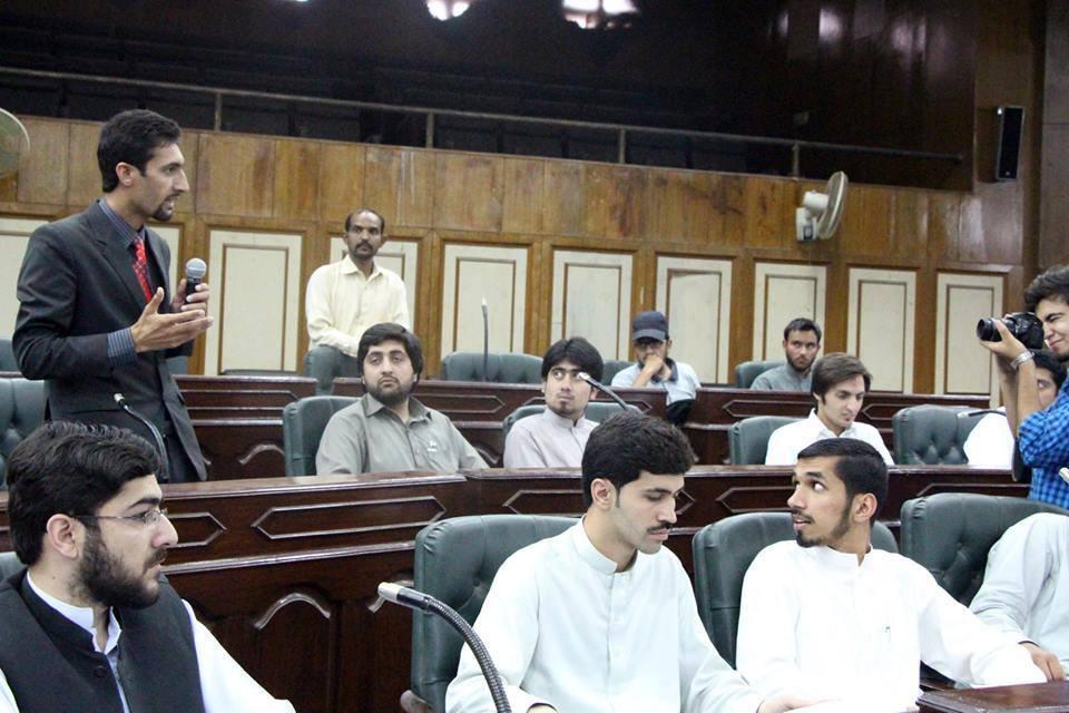 نوجوان صحافی کریم اللہ نے یونین کونسل مستوج سے الیکشن لڑنے کا فیصلہ کیا