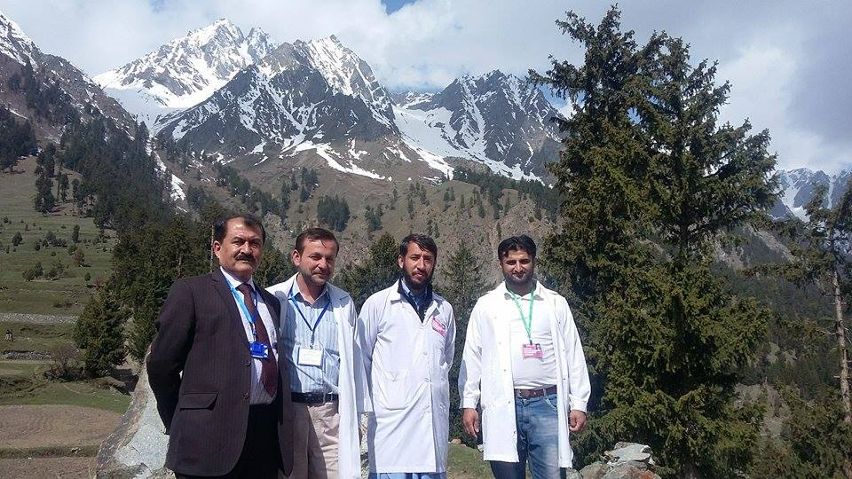 سانحہ نلتر کے دوران زخمیوں کو بروقت اور موثرابتدائی طبی امداد فراہم کرنے پر ڈاکٹر حنیف استوری اور ان کی ٹیم کی تعریف