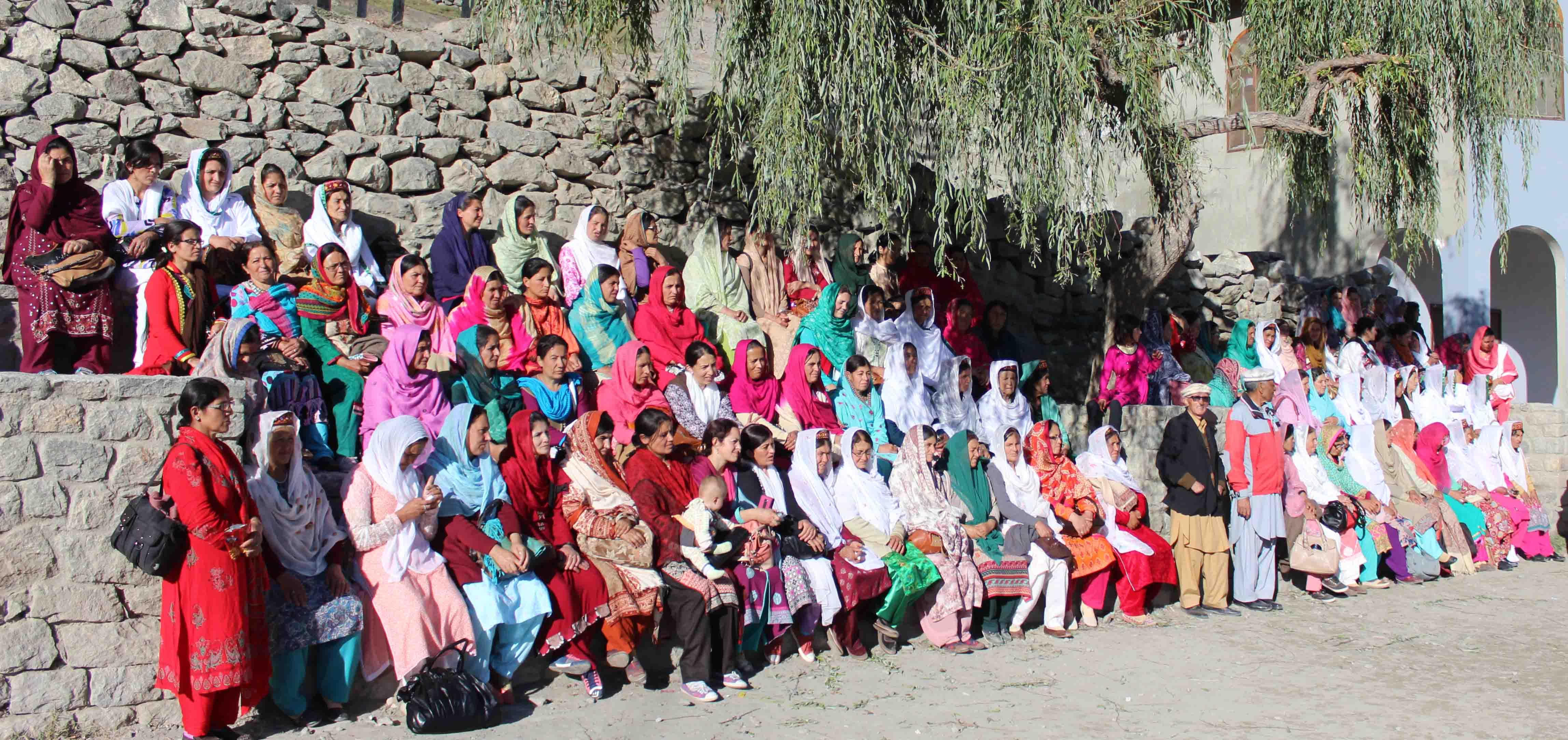 گلمت گوجال ہنزہ سے خواتین والنٹیرزکے دفد کا دورہ سنٹرل ہنزہ