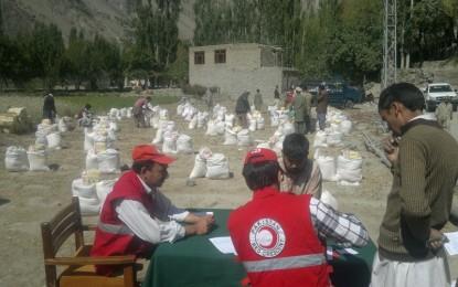 ہلال احمر گلگت بلتستان کے زیر اہتمام سیلاب سے متاثرہ 268 خاندانوں میں امدادی اشیا کی تقسیم