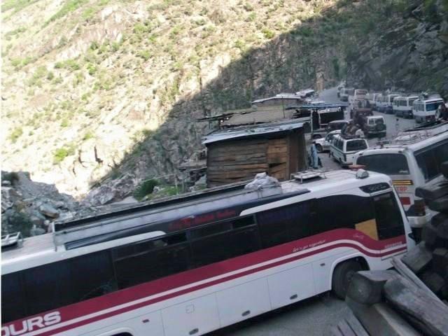 خیبر پختونخواہ پولیس کی قراقرم ہائے وے پر بدمعاشی، مسافروں پر تشدد
