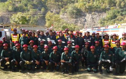 ریسکیو 1122کی ٹیم زلزلہ زدگان کی مددکیلئے چترال پہنچ گئی