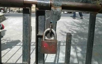 سکردو سمیت گلگت بلتستان کے تمام اضلاع میں محکمہ تعمیرات عامہ اور واسا کے ملازمین کی ہڑتال تیسرے روز بھی جاری رہی، دفتروں کی تالہ بندی