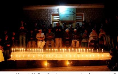 آغاخان یوتھ اینڈ سپورٹس بورڈ ذولفقار آباد کے زیر اہتمام سانحہ آرمی پبلک سکول کے شہدا کی یاد میں شمع روشن