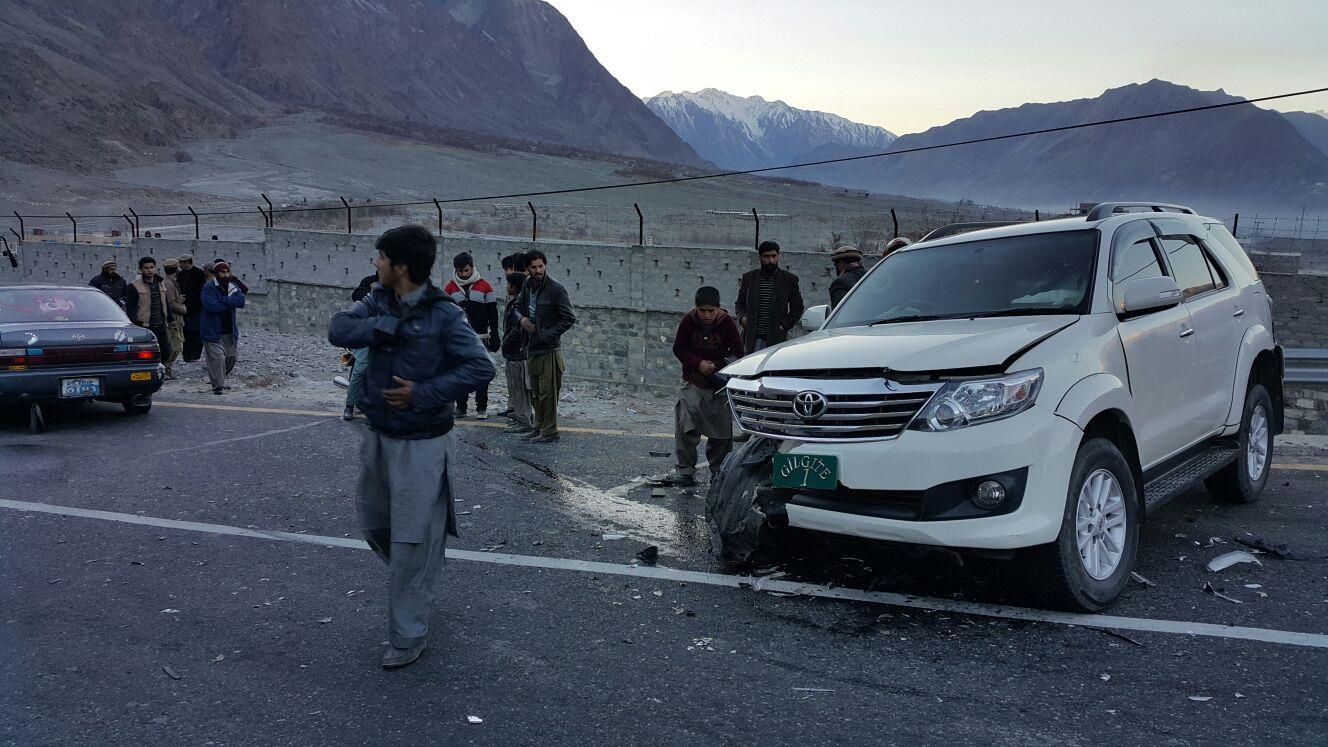 سیکریٹری ورکس گلگت بلتستان کی گاڑی کو حادثہ، متعدد افراد زخمی ہو گئے