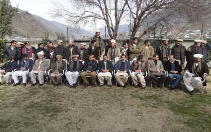 سنولیپر ڈ فاؤنڈیشن پاکستان چترال کے سیلاب سے متاثرہ علاقوں میں نہروں کی مرمت کیلئے چیک تقسیم