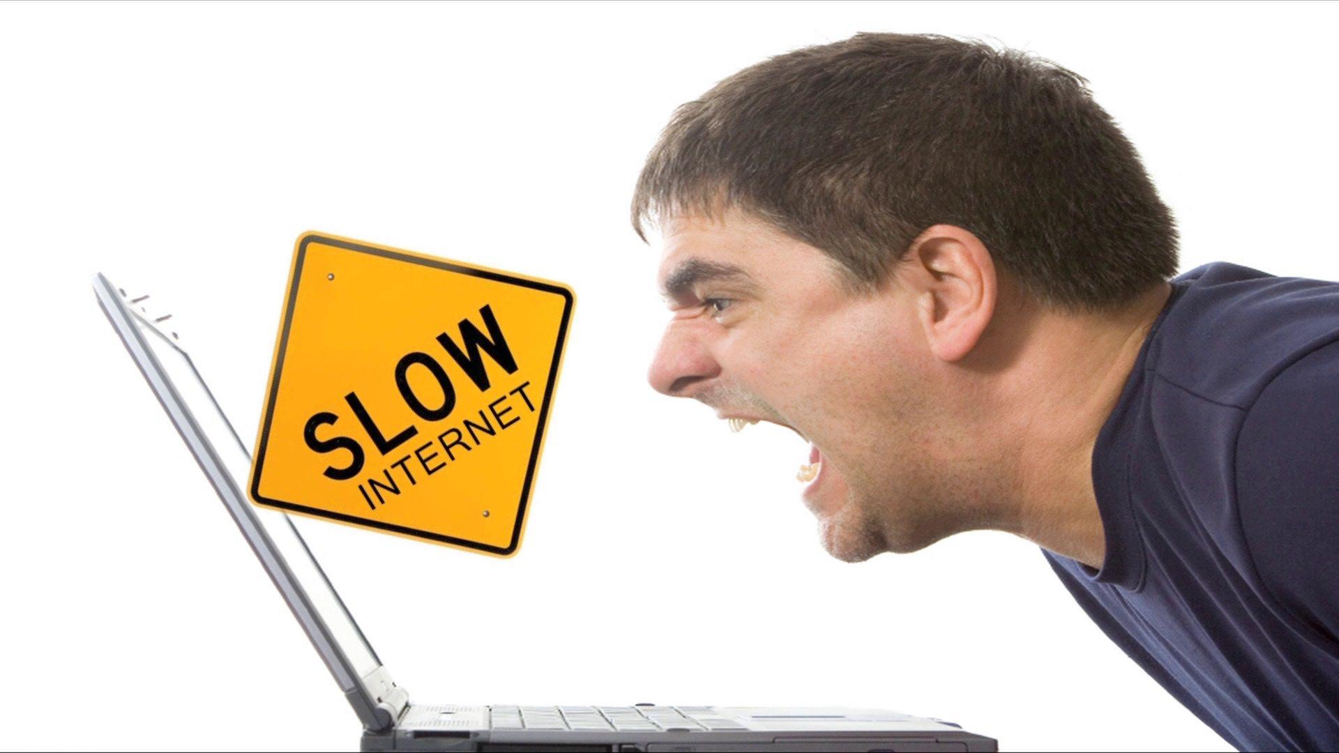 اشکومن میں پندرہ روز سے انٹرنیٹ کا نظام درہم برہم