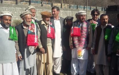چترال کے علاقے بروز گولدہ میں مختلف پارٹیوں سے تعلق رکھنے والے افراد نے پی پی پی میں شمولیت کا اعلان کردیا