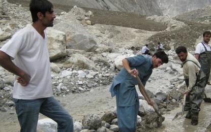 گزشتہ سال ہنزہ کے مرکزی علاقوں میں زلزلے سے متاثرہ واٹر چینلز کی مرمت کا کام سروے مکمل ہونے کے باوجود نہ ہوسکا، عوام پریشان