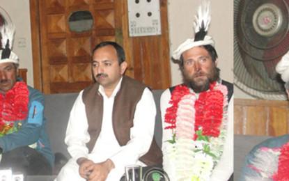 نانگا پربت سر کرتے ہی پاکستان کا سبز ہلالی پرچم لہرا دیا اور سجدہ شکر ادا کیا، محمد علی سدپارہ