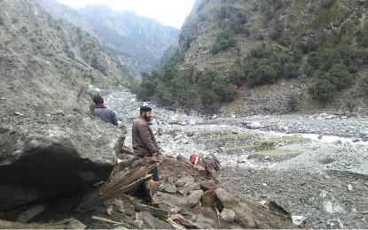 کوہستان میں بارشوں اور سیلاب سے ملبے تلے دبے افراد سمیت 41 اموات ہوئیں، 121 گھر مکمل تباہ ہوگئے، ضلعی انتظامیہ کی رپورٹ جاری