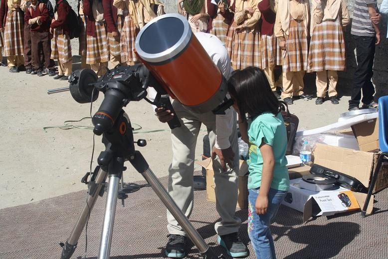 ہاسی گاوا میموریل پبلک سکول ہنزہ میں اجرامِ فلکی کے مشاہدے کا دن منایا گیا