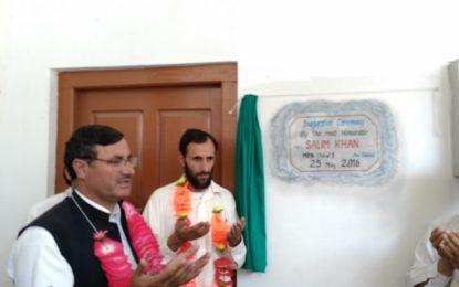 ایم پی اے سلیم خان نے ضلع چترال کے مختلف وادیوں کا دورہ کیا، سکول کا افتتاح،پل اور سڑکوں کے لئے فنڈز کا اعلان