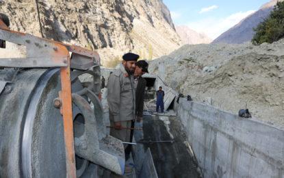 کمانڈنٹ چترال سکاؤٹس کرنل نظام الدین شاہ نے گولین چترال دو میگاواٹ بجلی گھر کا دورہ کیا