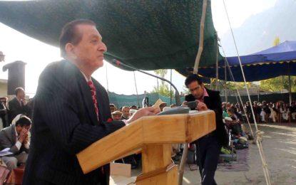 ایک سال کے اندر ہنزہ میں مثالی ضلعی ہیڈکوارٹر قائم کریں گے، گورنر میر غضنفر علی خان