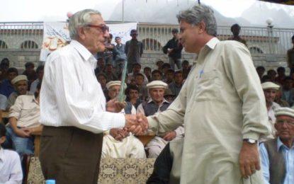 گروپ کیپٹن شاہ خان گلگت بلتستان کی تاریخ کا اہم کردار ہے، خدمات ہمیشہ یاد رہینگی، گلمت ینگ سٹارز کلب
