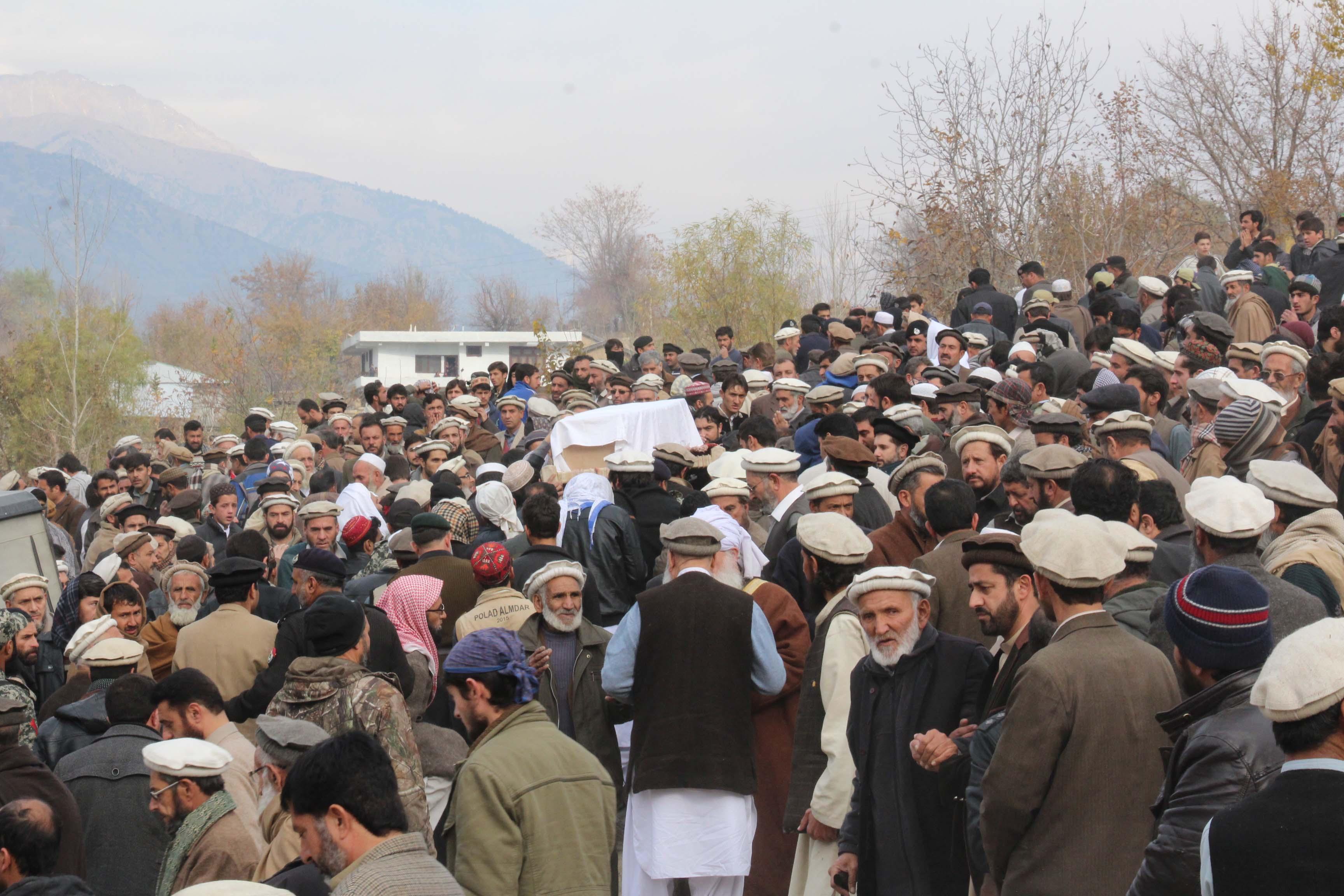 طیارہ حادثے میں جان بحق ضلع چترال کے بیس میں سے دو افراد سپرد خاک