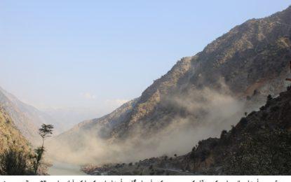 کوہستان میں دن دیہاڑے شاہراہ قراقرم کے اطراف میں بلاسٹنگ اور ملبہ گرانے سے مسافر پریشان