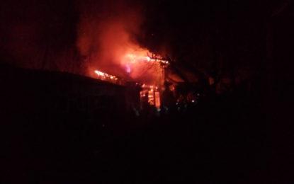 ایون کورو بازار میں واقع بیکری میں آگ لگنے سے 7دکانیں اور دوسٹور جل کر خاکستر