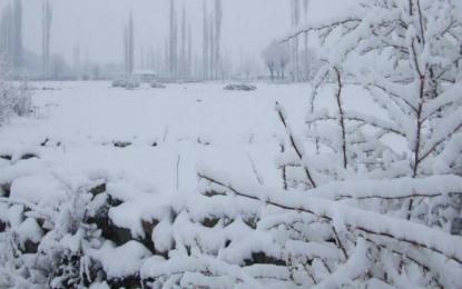 کھرمنگ میں موسم سرما کی پہلی برفباری، کئی مقامات پر 5انچ تک برف ریکارڈ کیا گیا