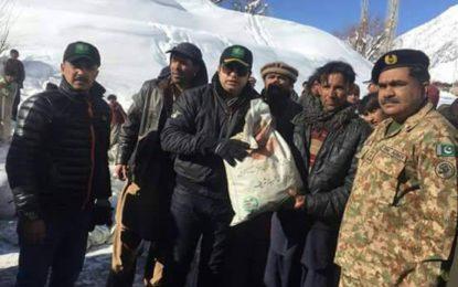 ضلع شگر کے بالائی علاقے ارندو میں پاک فوج کی جانب سے خصوصی ہیلی کاپٹر کے زریعے امدادی اشیاء پہنچائی گئی