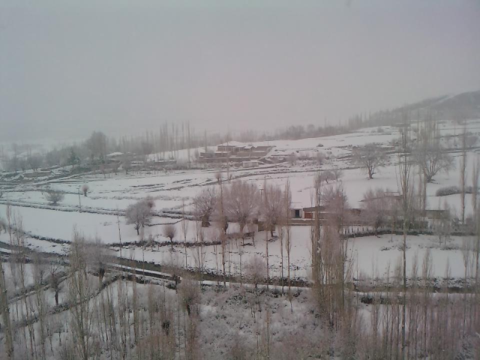 غذر : بالائی علاقوں میں شدید برف باری سےنظام زندگی مفلوج