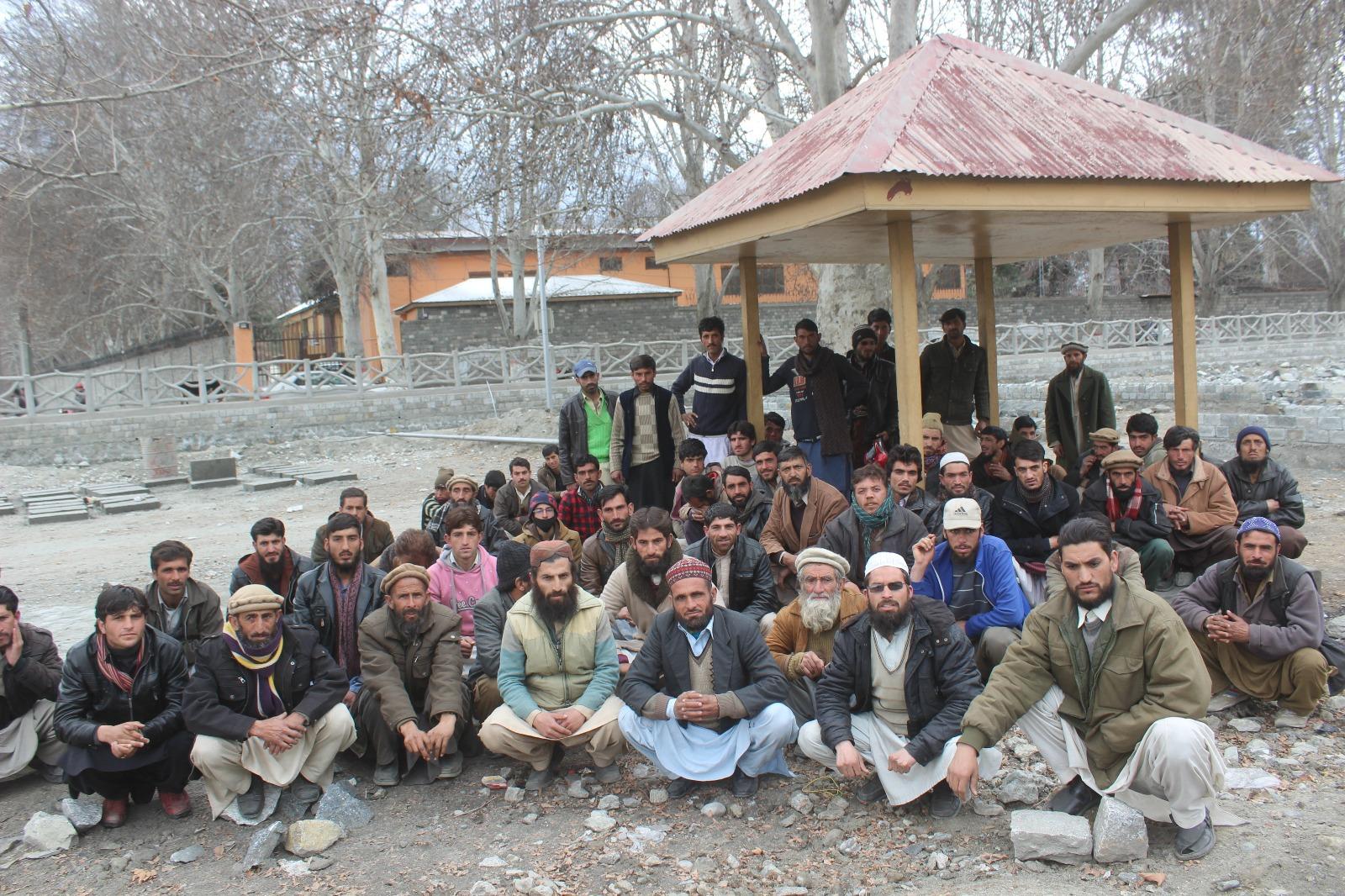 مسائل حل کرنے کی بجائے حملہ آور ہونے کا الزام، عمائدین تھول داس کا ایکسین محکمہ برقیات کے خلاف احتجاجی مظاہرہ