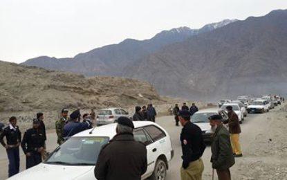 دیامر: کومبنگ آپریشن کے دوران چھے مطلوب ملزمان اور 12مشتبہ افراد گرفتار