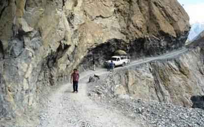 چترال : یوکوم پل یارخون انتہائی خستہ حالی کاشکار، 10ہزار آبادی کے آمدرآفت متاثرہونے کاخطرہ