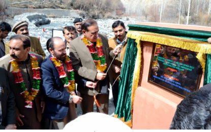 وزیر تعمیرات نے نومل تا امین آباد پل کا افتتاح کردیا